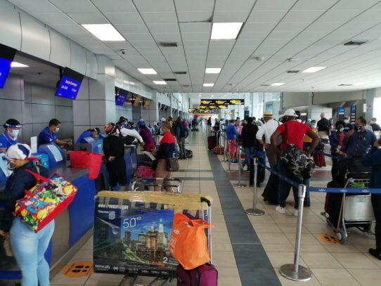 Gremios turísticos piden al Gobierno autorizar libre ingreso de visitantes, certificados con vacunación Covid