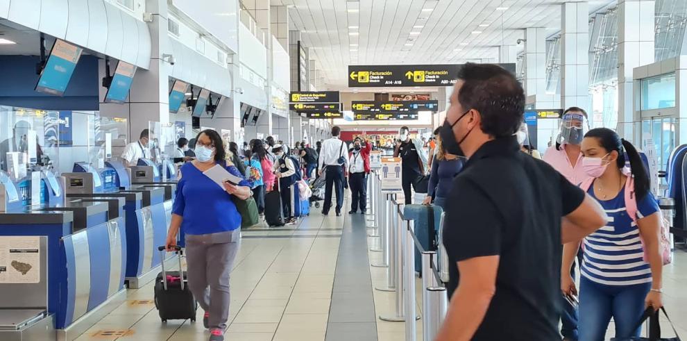 Migración aclara situación de cubanos en Aeropuerto de Tocumen