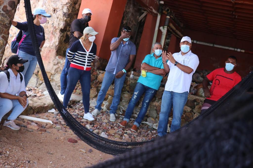 Coordinan acciones para mejorar condiciones de pescadores taboganos
