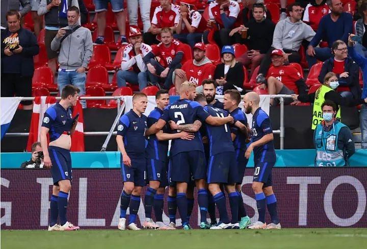 Finlandia debuta en Eurocopa con victoria sobre Dinamarca tras susto de Eriksen