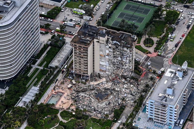 Una carta alertó en abril del crítico estado del edificio colapsado en Florida