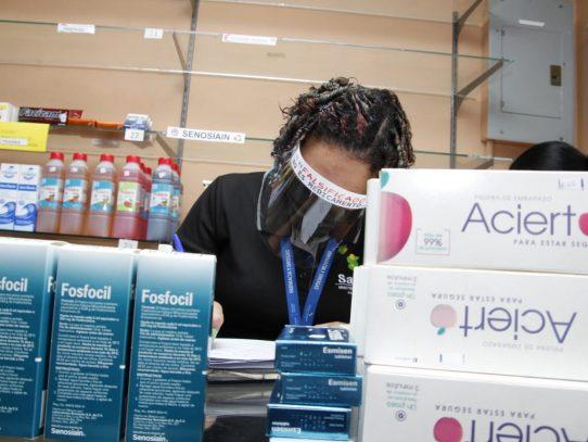 Farmacia y Drogas a la búsqueda de medicamentos vencidos