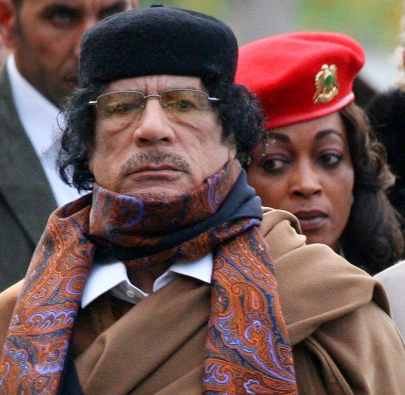 El antiguo cuartel general de Gadafi, ocupado por decenas de familias