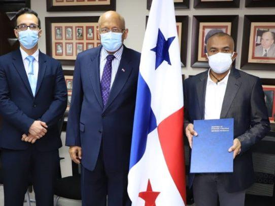 Juramentan a nuevos magistrados del Tribunal Administrativo de Contrataciones Públicas
