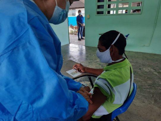 Unos 15 mil panameños serán vacunados con AstraZeneca en San Miguelito