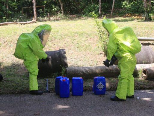 Estamentos de seguridad se capacitan en manejo de material peligroso