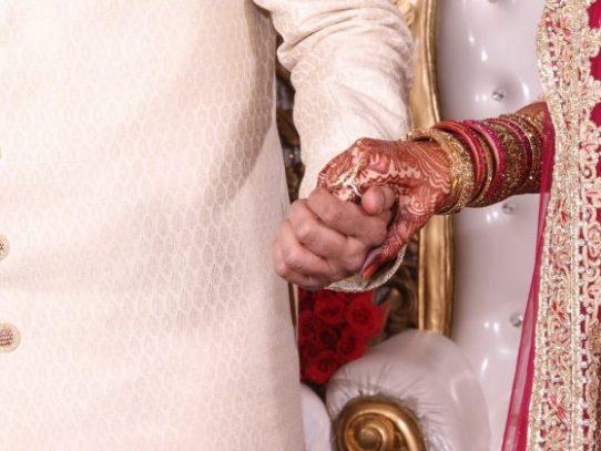 Comunismo, Marxismo y Leninismo asistirán a la boda de Socialismo en India