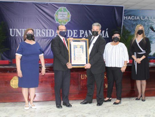 Autoridades electas de la UP recibieron credenciales