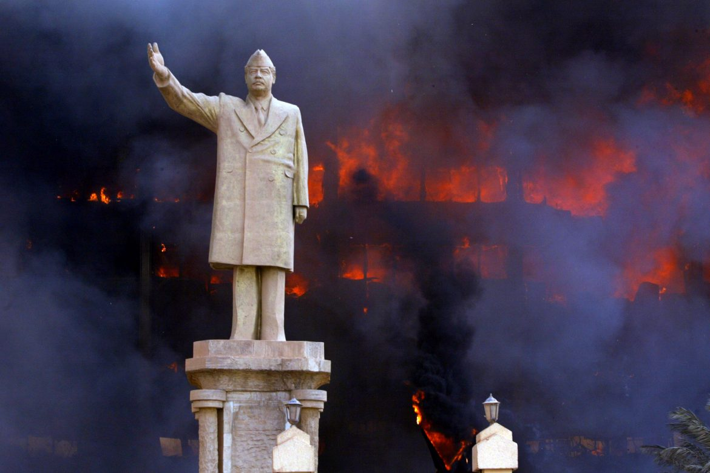 Donald Rumsfeld destrozó mi país