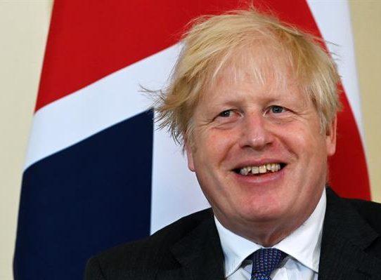 """Johnson le desea a Inglaterra """"la mejor de las suertes"""""""