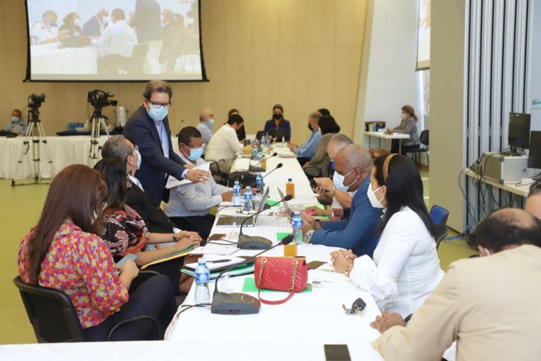 Comisionados plantean alternativas para fortalecer el IVM