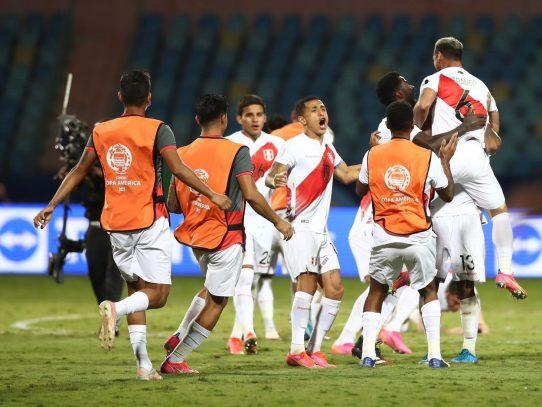 Perú vence por penales 4-3 a Paraguay y es el primer semifinalista de la Copa América-2021