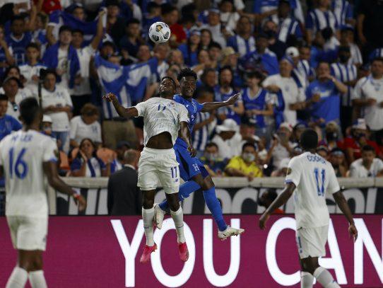 Honduras remonta a Panamá 3-2 y clasifica a cuartos de Copa de Oro