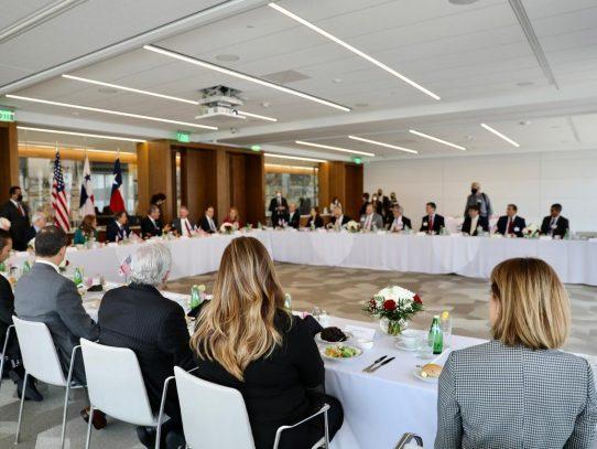 Cortizo promueve expandir inversiones de Houston en Panamá