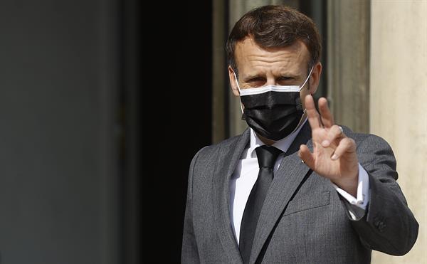 """Macron pide que el acuerdo de Glasgow """"esté a la altura de la urgencia"""" tras informe sobre clima"""