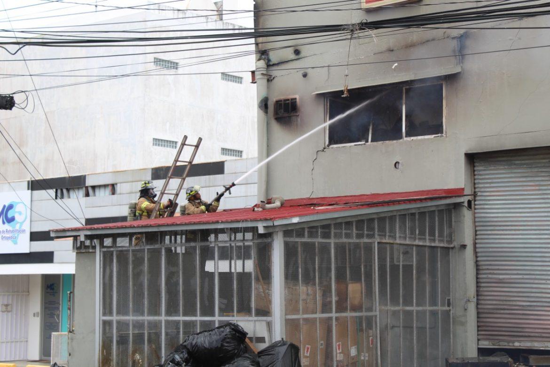 Desperfectos eléctricos causa de incendios estructurales