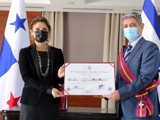 Condecorado embajador de Israel