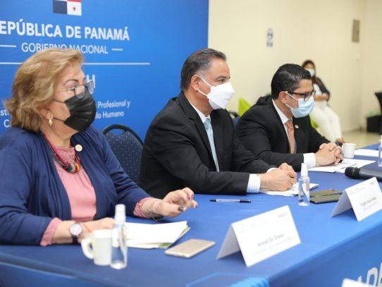 Se instaló mesa para analizar Formación Dual en Panamá
