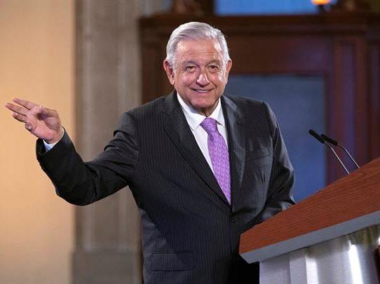 """Presidente de México pide clases presenciales """"llueva, truene o relampaguee"""""""