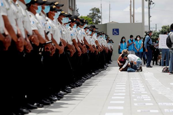 """EE.UU. paralizó """"temporalmente"""" cooperación con Ministerio Público de Guatemala"""