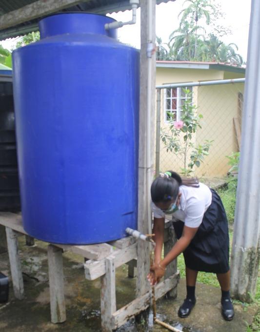 Dotarán de tanques de reserva de agua a centros escolares