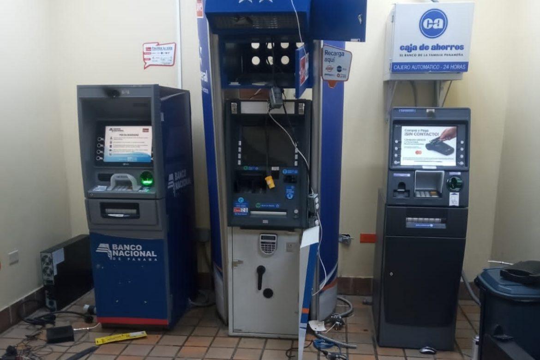 Intento de robo a cajeros automáticos de CSS, en edificio 519 de Clayton
