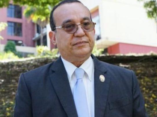 Eduardo Flores Castro: reelegido rector de la UP
