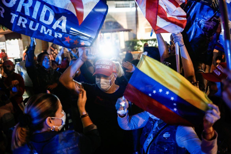 Los electores latinos se inclinaron por los republicanos; ahora, Biden quiere que regresen