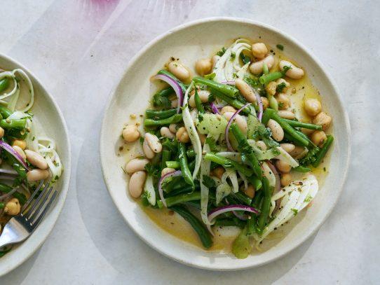 Esta ensalada de leguminosas está lista para ir a todas partes