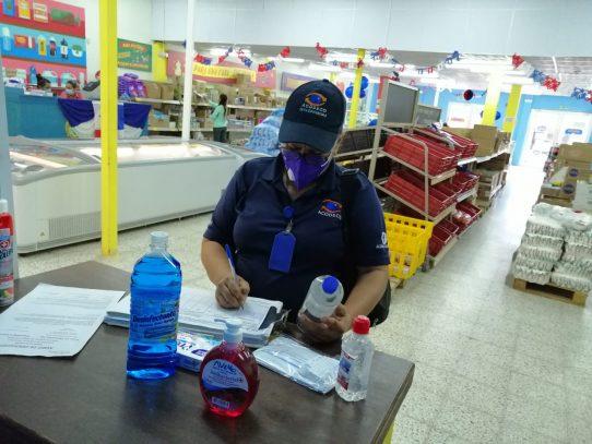 Acodeco revela multas a comercios por incumplir normas de protección al consumidor