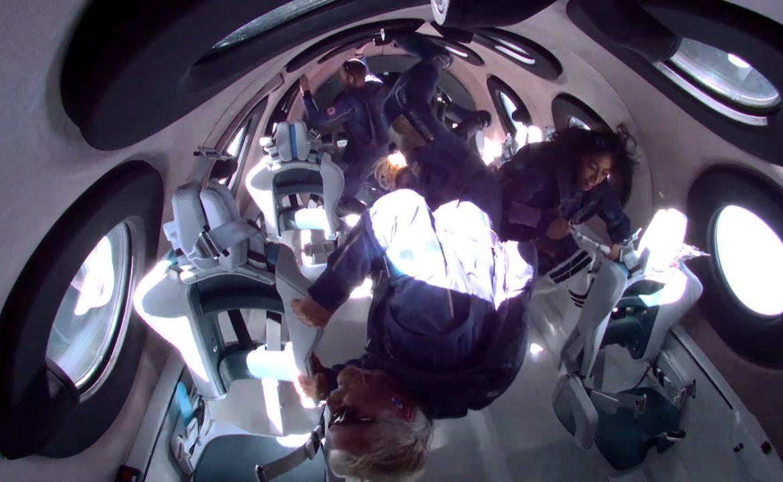 """El millonario Richard Branson, tras llegar al espacio: """"Ha sido mágico"""""""