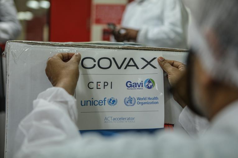 Llega a Venezuela el primer lote de vacunas del Covax