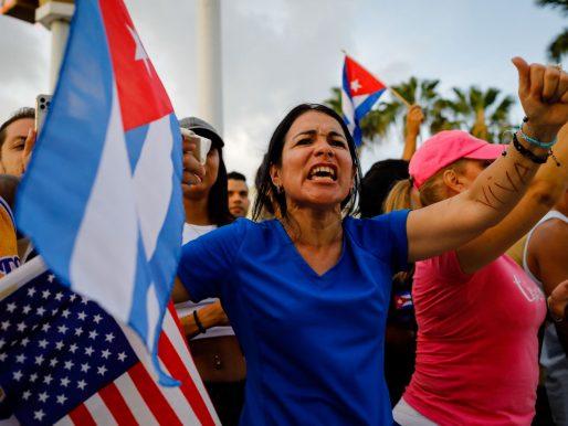 Eurodiputados piden sanciones a responsables cubanos por represión a protestas