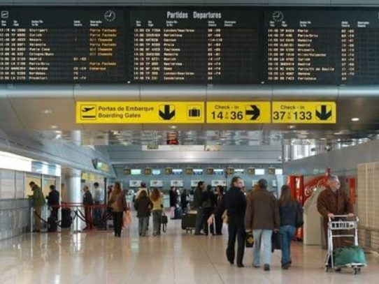 Cientos de vuelos cancelados en Portugal por huelga de maleteros