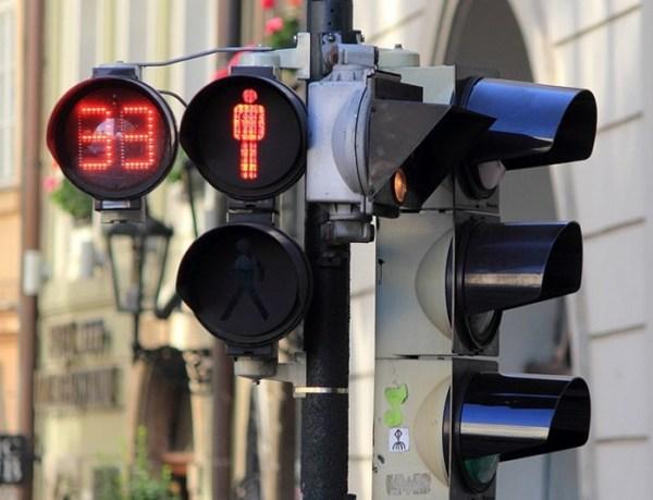Avalan en primer debate instalación de semáforos sonoros para invidentes