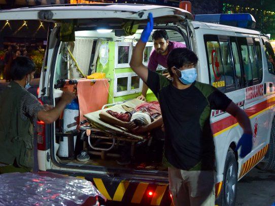 """""""Varios"""" militares de EE.UU. muertos y heridos en ataque en aeropuerto de Kabul"""