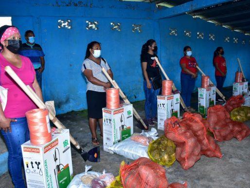 MIDES entrega apoyo para impulsar emprendimientos en zonas rurales