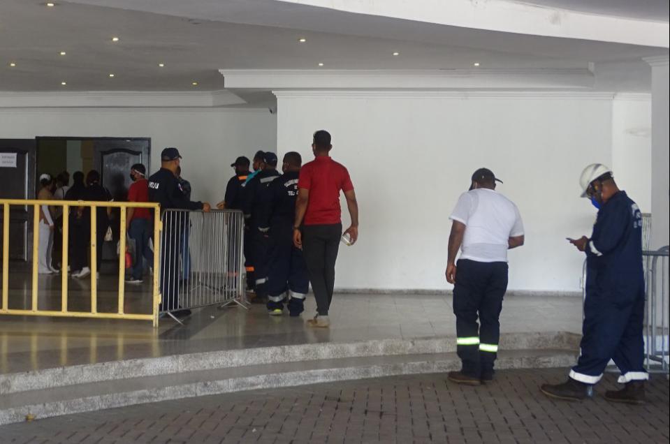 Trabajadores del sector logístico participan en jornada de vacunación contra el Covid-19