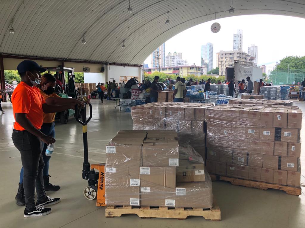 Panamá recolecta toneladas de alimentos y otros enseres que serán enviados a Haití