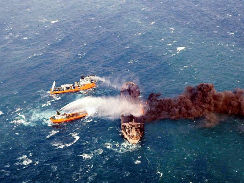 Al menos 19 muertos en colisión de dos barcos en Bangladés