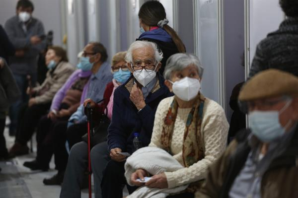 Chile no se plantea quitar mascarilla en una América con 80 millones de casos