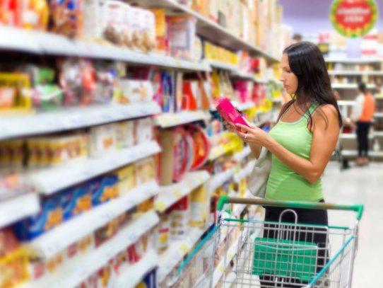 Confianza de consumidores cae en agosto en EE.UU.