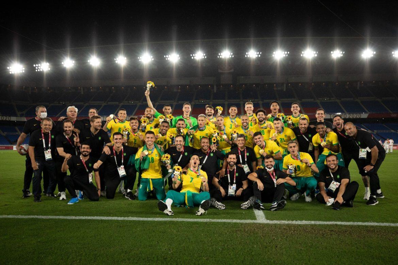 """Brasil se refuerza con nueve jugadores ante """"incertidumbre"""" en premundial sudamericano"""