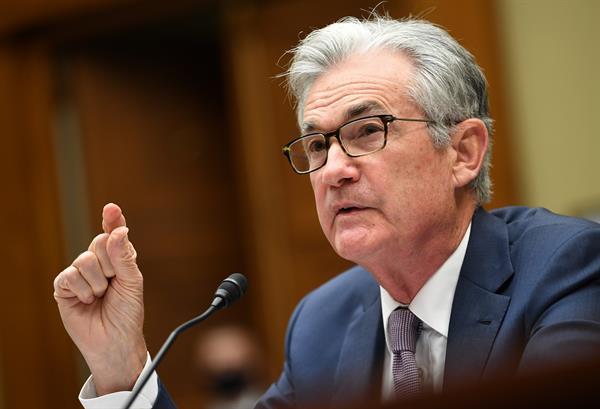 Powell apunta a final de año para empezar a retirar los estímulos monetarios en EE.UU.