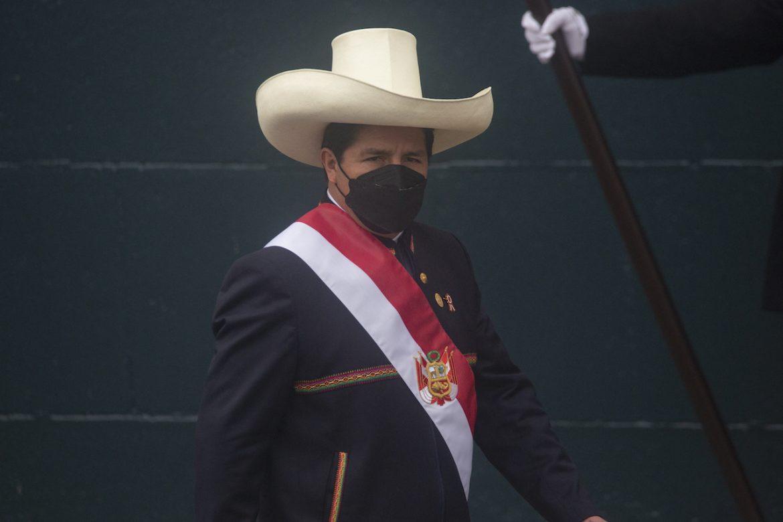 Castillo recoge más rechazo que aprobación en dos semanas al frente de Perú