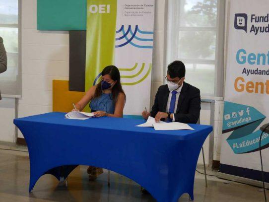 Ayudinga y la OEI firman convenio