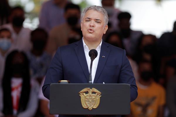 El presidente colombiano llegó a Corea del Sur en visita de Estado