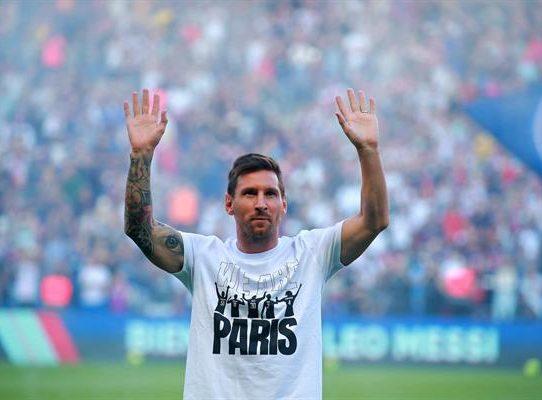 El Parque de los Príncipes enloquece con Messi