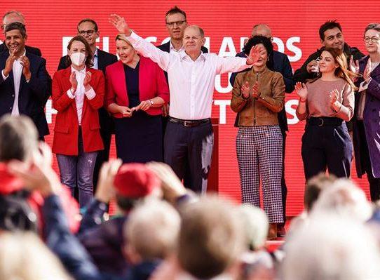 """Los sondeos electorales impulsan a Scholz, el socialdemócrata """"merkeliano"""""""