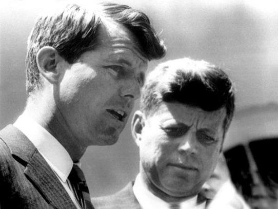 Un panel vota por conceder libertad condicional al asesino de Robert Kennedy